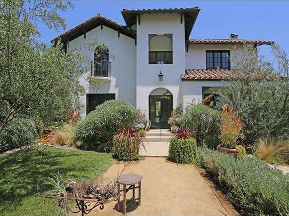 Te koop de villa van michael c hall aka dexter in los feliz studio columbo for Lay outs van het huis hal